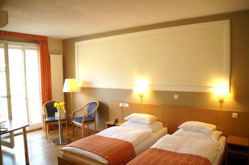 ihr hotel in freiburg hotel classic freiburg. Black Bedroom Furniture Sets. Home Design Ideas